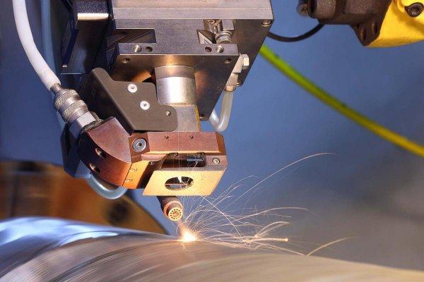 Ученые изобрели лазерную защиту машин и самолетов от обледенения