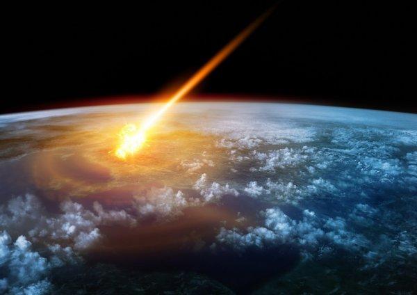 Астронавт снял на видео с борта МКС падение метеорита на Землю