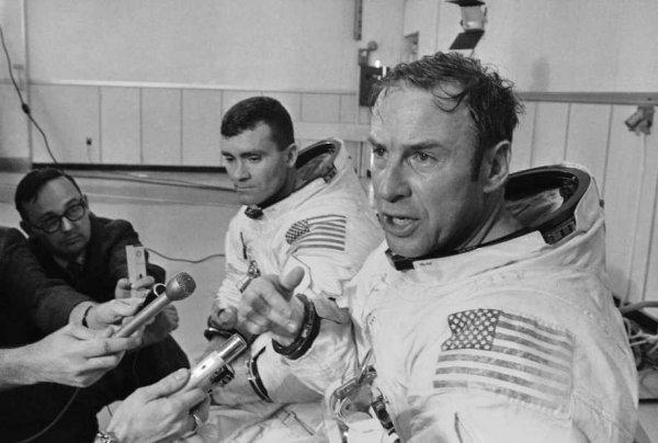 Доказана фальсификация полета на Луну: Амстронг рассказал о «теории заговора»