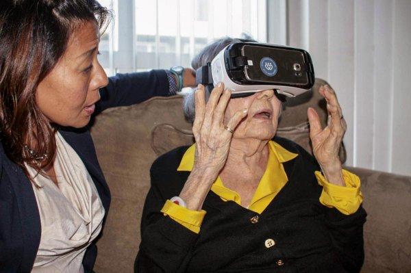 Виртуальная реальность восстанавливает моторику рук после инсульта