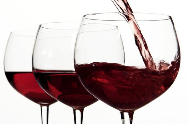 Водка вызывает сексуальное желание. 50 грамм алкоголя пробуждает влечение к партнеру