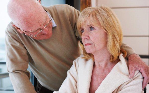 Микс из трех медпрепаратов поможет в борьбе с болезнью Альцгеймера — Ученые