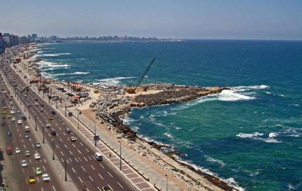 Египетские археологи обнаружили в районе Александрии три древнеримских корабля
