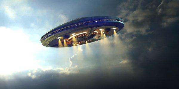 Над аэропортом Хитроу в Лондоне пролетело НЛО