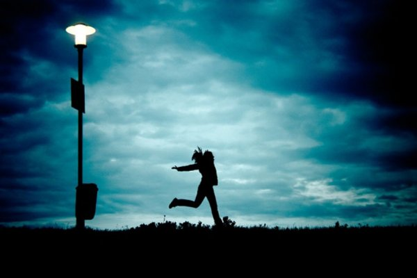 Ученые: Яркие ночи вредят здоровью людей и животных