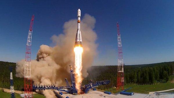 СМИ: Запущенный с космодрома Восточный спутник не вышел на связь