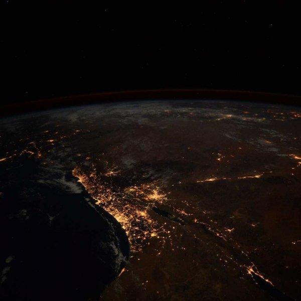 Астронавт снял Землю в космосе и выложил видео в Twitter