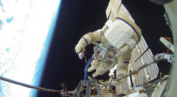 Космонавты России укрепят иллюминаторы на МКС