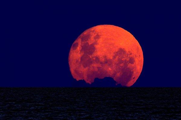 Жители Земли 3-4 декабря увидят суперлуние