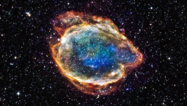 NASA показало фото уникальной «взрывной» галактики