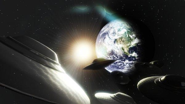 Камера МКС зафиксировала шарообразный НЛО? Ученые из Корнелла доказали, что Земля имеет второй спутник