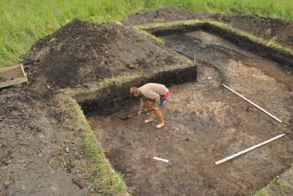 Археологи нашли печать князя Святослава под Костромой