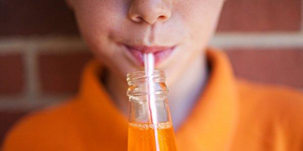 В Гарварде нашли связь между детской астмой и сладкими напитками