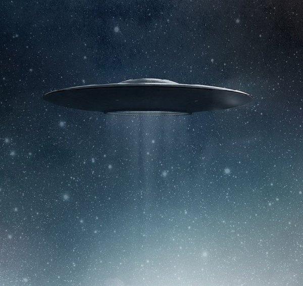 В прямой трансляции с МКС над Северной Кореей заметили НЛО
