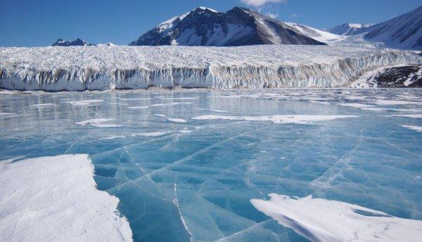 Гляциологи обнаружили уязвимые точки антарктического ледника