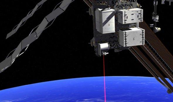 Уфологи: НЛО атакуют МКС с помощью лазерных бластеров