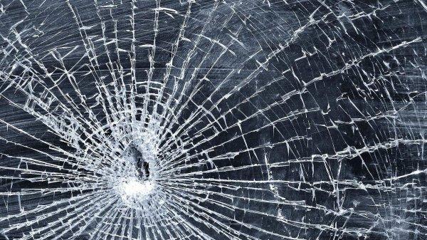 Учёные создали стекло, способное восстанавливаться самостоятельно