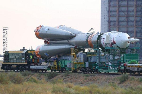 Госкомиссия утвердила экипаж стартующего 17 декабря к МКС «Союза»