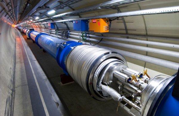 Учёные создали самый мощный в мире сверхпроводниковый магнит