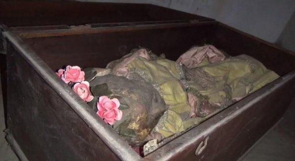 В Италии на кладбище раскопали вековую мумию маленькой девочки