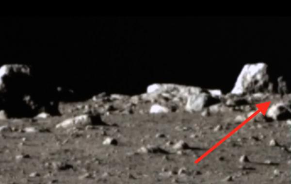 Уоринг показал на видео инопланетянина на Луне: NASA  придало ретуши снимок здания на спутнике