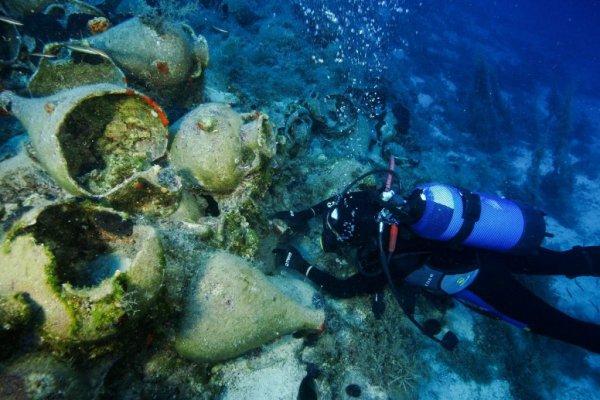 Восемь древнеримских кораблей обнаружены у побережья Наксоса