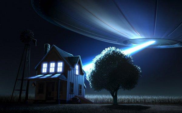 Уфологи нашли корабль пришельцев на полюсе Луны