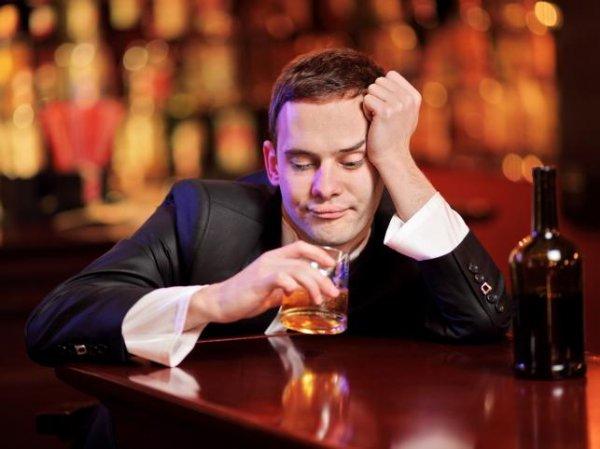 Учёные выяснили, как нетрезвые мужчины реагируют на женщин