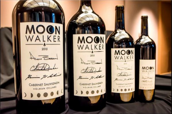 Музей в США продаёт эксклюзивные вина с автографами первых людей, ступивших  на Луну