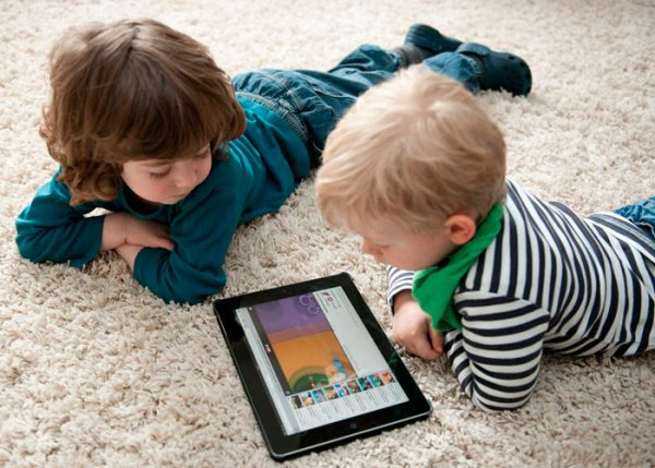 Планшеты и смартфоны могут превратить детей в зомби – Ученые