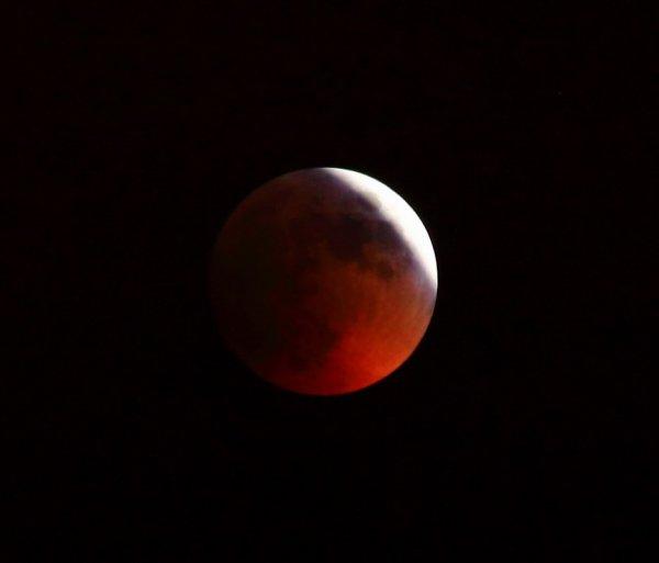Самое длинное за 100 лет лунное затмение произойдет в 2018 году